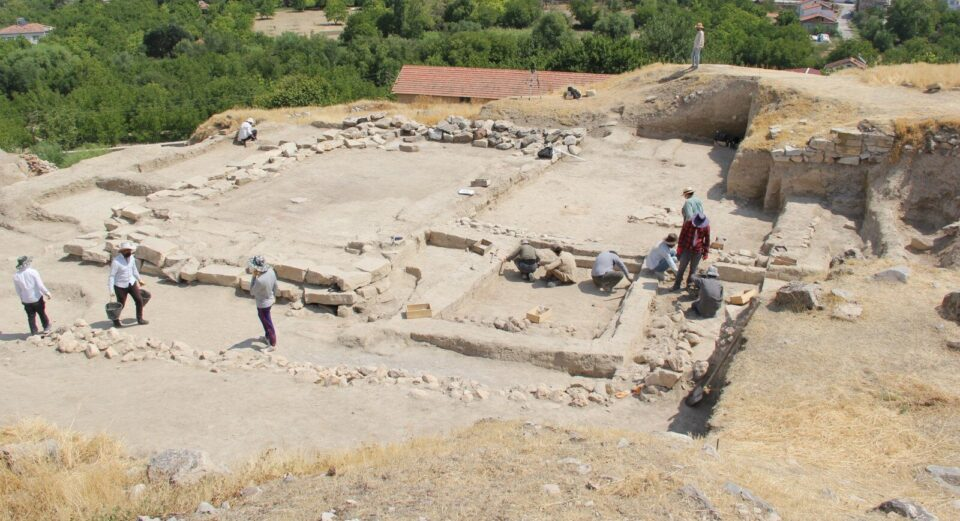 Older than Egyptian pyramids 5 500 year old ruins found in Turkey