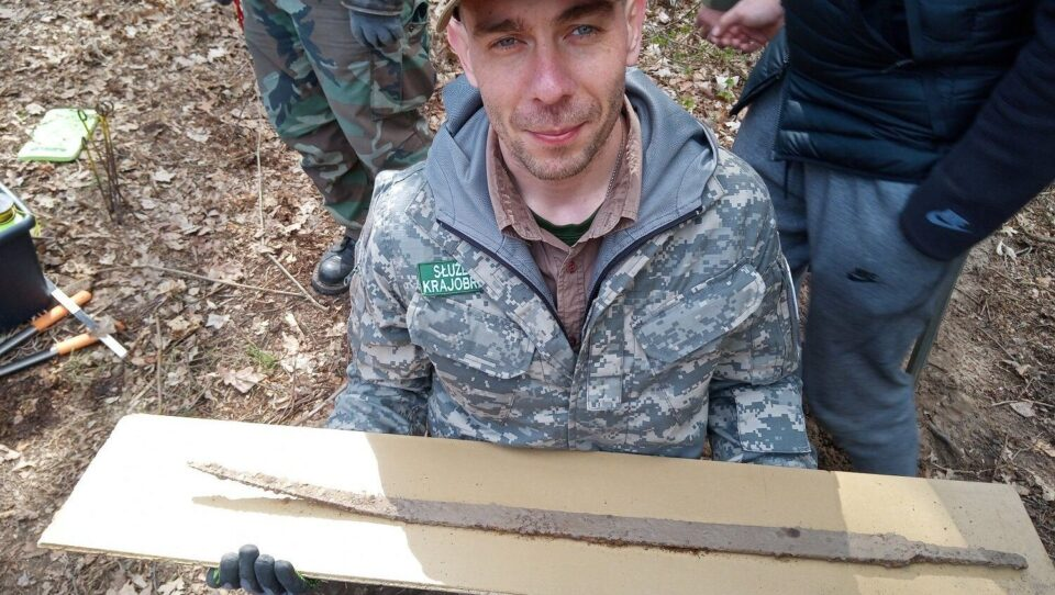 Over 1000 years old combat sword discovered in Poland